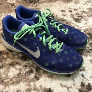 Nike dual fusion tr polka dot running sneaker 8.5